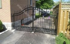 Wrought_Iron_Estate_gate_1_jpg