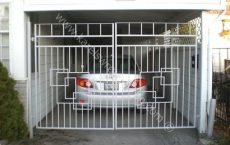 Wrought_Iron_Estate_gate_41_jpg