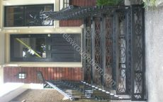 Wrought_Iron_Stairs_120_jpg